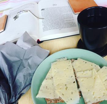 Knäckemackor bok o kaffe