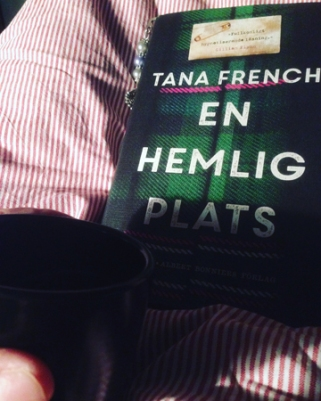Kaffe och boken En hemlig plats