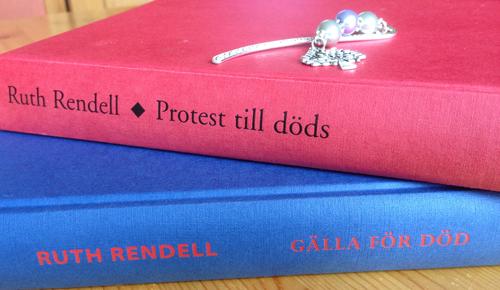 Två Ruth Rendellböcker
